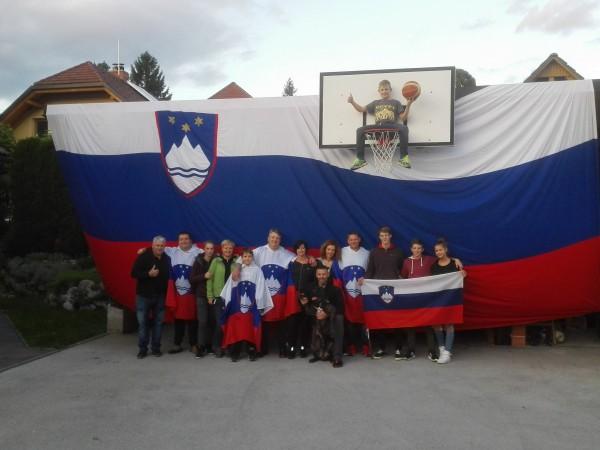 Slovenski navijači iz Male Dobrave pri Stični